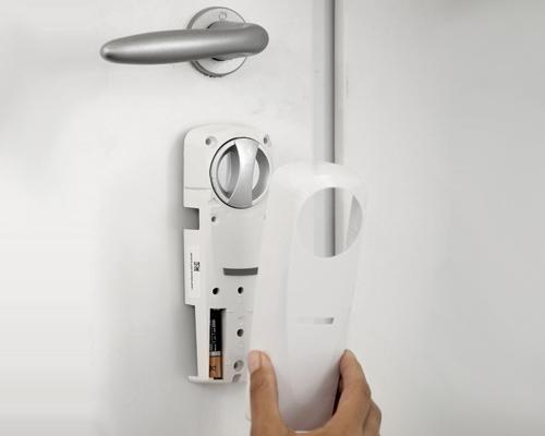 serrure connectée avec passerelle internet Somfy